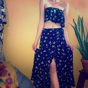 American Eagle Matching Daisy Set - Skirt & Top